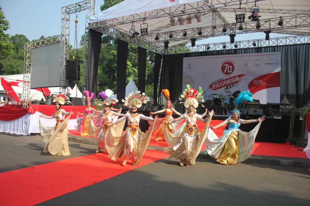 Tarian Pembuka saat Pameran Indonesia Hebat 2015