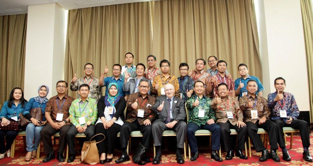 Foto Grup PTPP Bersama Philip Kotler