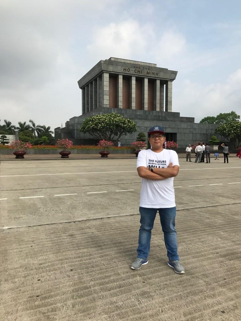 Kunjungan ke Lăng Chủ tịch Hồ Chí Minh