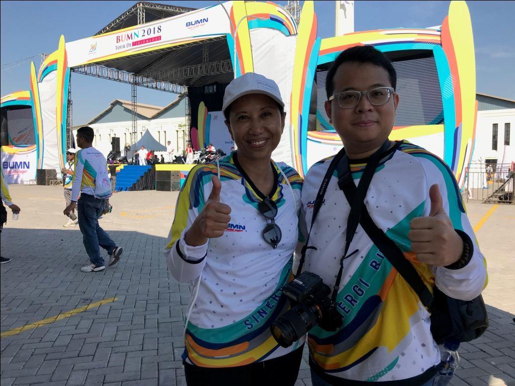 Cempluk bersama Menteri BUMN Rini Soemarno